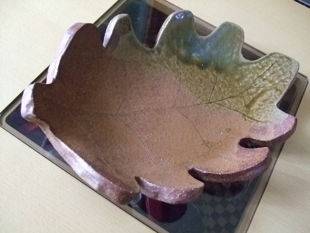 2_7.葉っぱのお皿