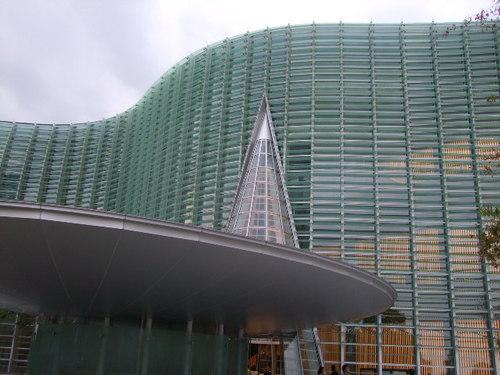 4_3.国立新美術館。