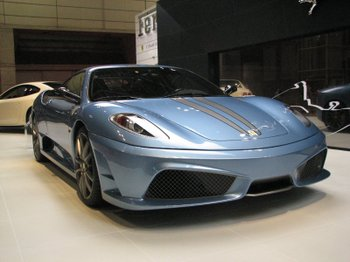 3.ブルーのフェラーリ