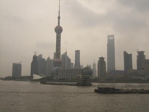 070822_中国へ:上海のテレビ塔